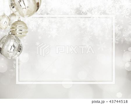 背景-雪-クリスマス-シルバー-キラキラ-フレーム 43744518