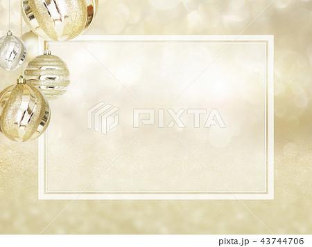 背景-雪-クリスマス-ゴールド-キラキラ-フレーム 43744706