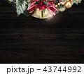 クリスマス リース ベルのイラスト 43744992