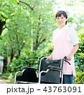介護士 車イス 43763091