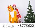 サンタ サンタクロース クリスマスの写真 43775622