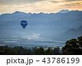 熱気球 山脈 山岳の写真 43786199