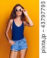 流行 女性 ファッションの写真 43797793