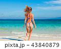 ビーチ 浜辺 女の写真 43840879