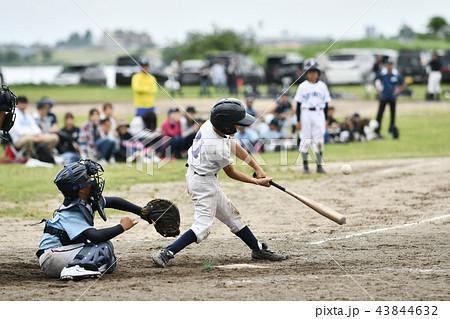 少年野球の試合 43844632