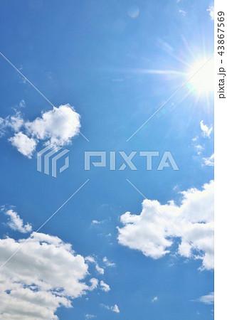 北海道 夏の青空と太陽 43867569