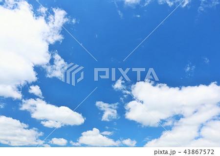 北海道 夏の青空 43867572