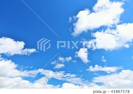 北海道 夏の青空 43867578
