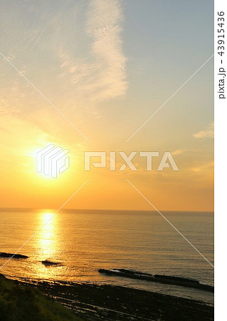 宮崎県 日向灘からの朝日 43915436