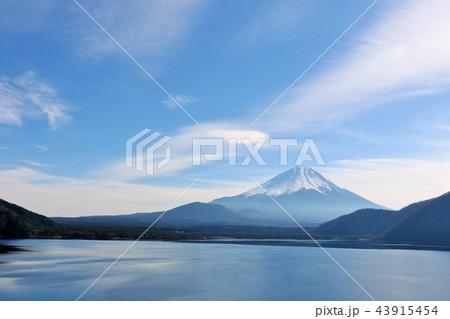 冬の青空と富士山 43915454