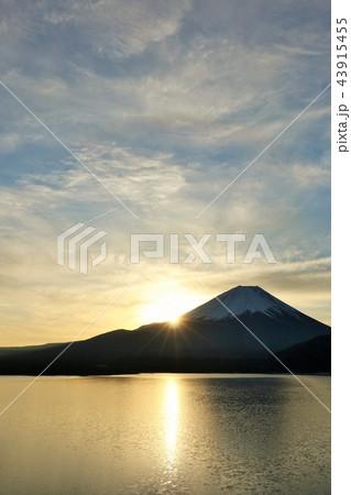 富士山と新年の光 43915455