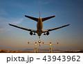 ボーイング777-200の着陸(大阪空港) 43943962
