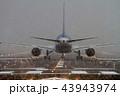 ボーイング767-300の離陸前待機(大阪空港) 43943974