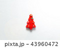 クリスマス 赤 クリスマスツリーの写真 43960472