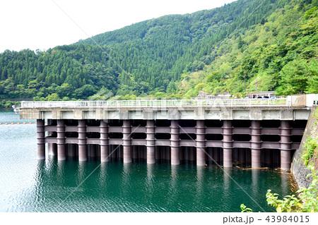 <奥多摩湖> ヘリポート 小河内ダムサイト 東京都西多摩郡奥多摩町 43984015