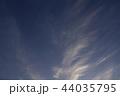 青空と白い雲 44035795