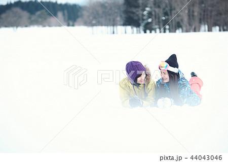 スキー場の女性 44043046