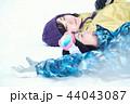 スキー場の女性 44043087