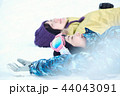 スキー場の女性 44043091