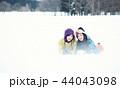 スキー場の女性 44043098