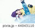 スキー場の女性 44043110