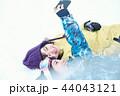 スキー場の女性 44043121
