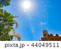 沖縄石垣島 琉球のオレンジ屋根瓦と太陽 44049511