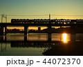 中央本線 多摩川 シルエットの写真 44072370