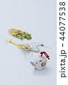 亥の人形と鶴亀の水引 44077538