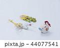 亥の人形と鶴亀の水引 44077541