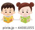 絵本を読む子供 44081055