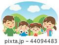ピクニック 家族 お弁当のイラスト 44094483