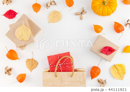 promotion template autumn fall thanksgiving saleの写真素材 44111921