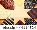 カラフル 色とりどり ネクタイの写真 44114524