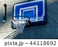 青いバスケットゴール 町の風景 44118692