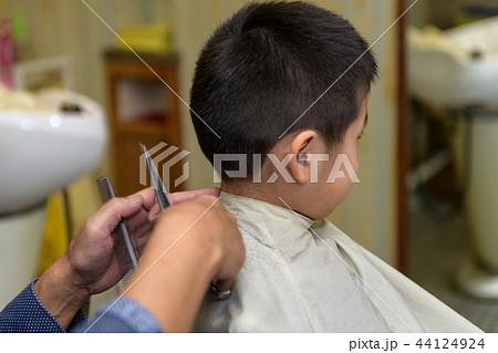 子供 散髪 美容室 美容院 44124924