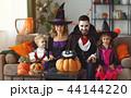 ファミリー 家庭 家族の写真 44144220