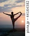 ヨガ 女 女性の写真 44164382