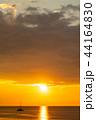 沖縄の夕日と船 44164830