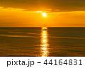沖縄の夕日と船 44164831