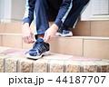 運動靴 (ジャージ スポーツ シューズ スニーカー トレーニング ランニング 男性 顔なし 人物) 44187707
