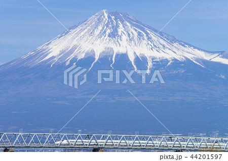 富士山と新幹線 44201597