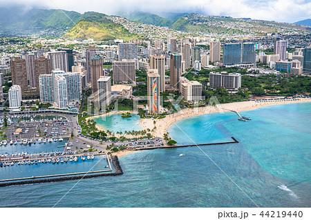《ハワイ》ワイキキビーチ上空・オアフ島《航空写真》 44219440