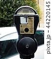 ロンドンのパーキングメーター 44220145