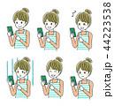 スマートフォン 女性 表情のイラスト 44223538