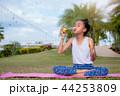 気泡 泡 子供の写真 44253809