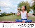 気泡 泡 子供の写真 44254232