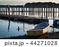 釣り船と桟橋 44271028