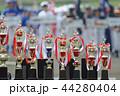 少年野球大会の表彰式 【並べられたトロフィー】 44280404