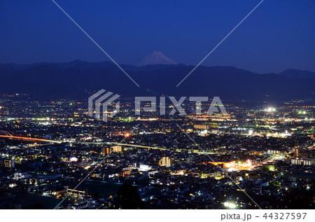山梨県立科学館、展望台から望む甲府盆地夜景と富士山 44327597